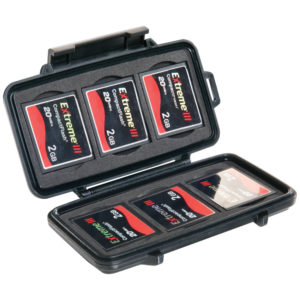 1362591350-peli-0945-memory-card-case-1.jpg
