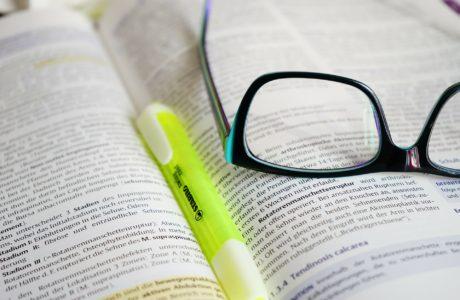 glasses-272399_1920